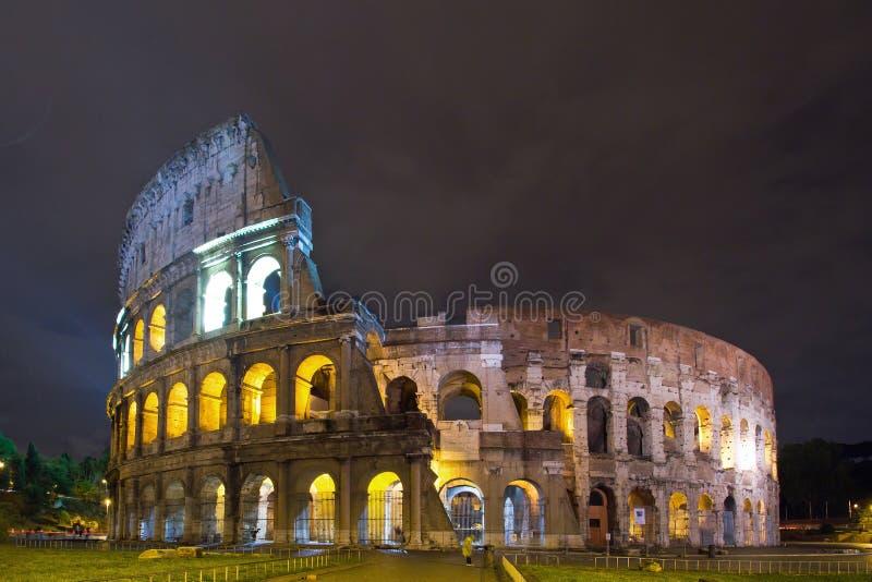 Download Colosseum, Roma fotografia stock. Immagine di sera, illuminato - 30830690