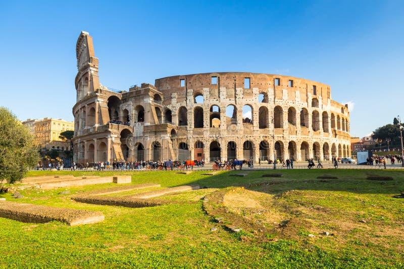 Colosseum in Rome bij zonnige dag, Itali? stock foto