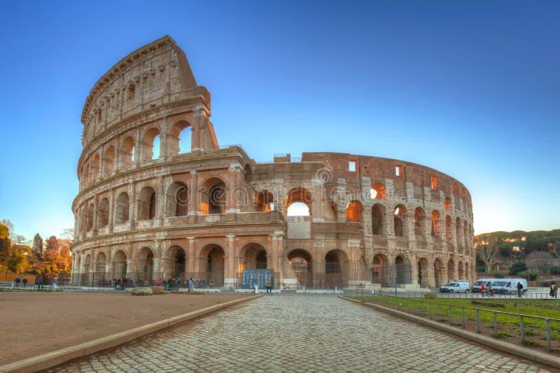 Colosseum in Rome bij zonsopgang, Itali? royalty-vrije stock foto