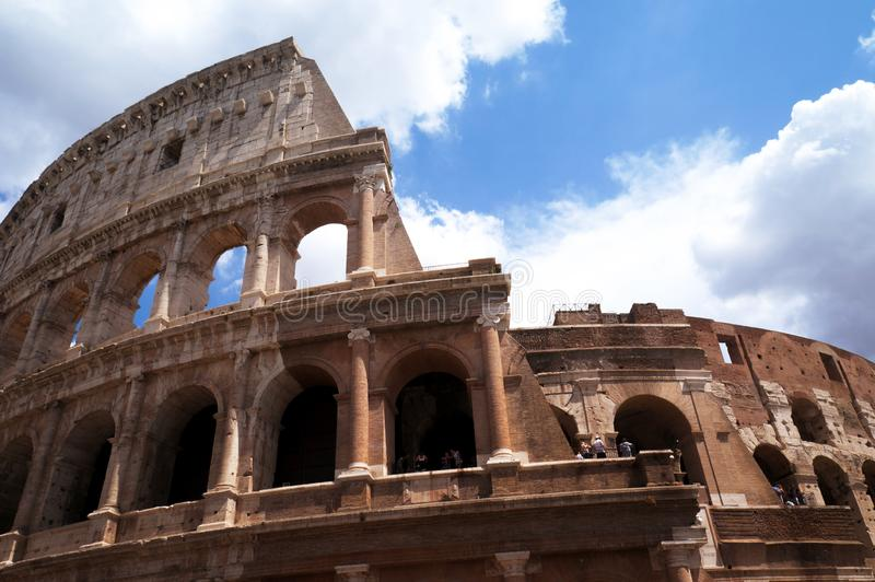 Colosseum, Rome, Italië, zonnige dag royalty-vrije stock afbeelding