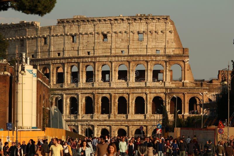Colosseum am Sonnenuntergang lizenzfreies stockfoto