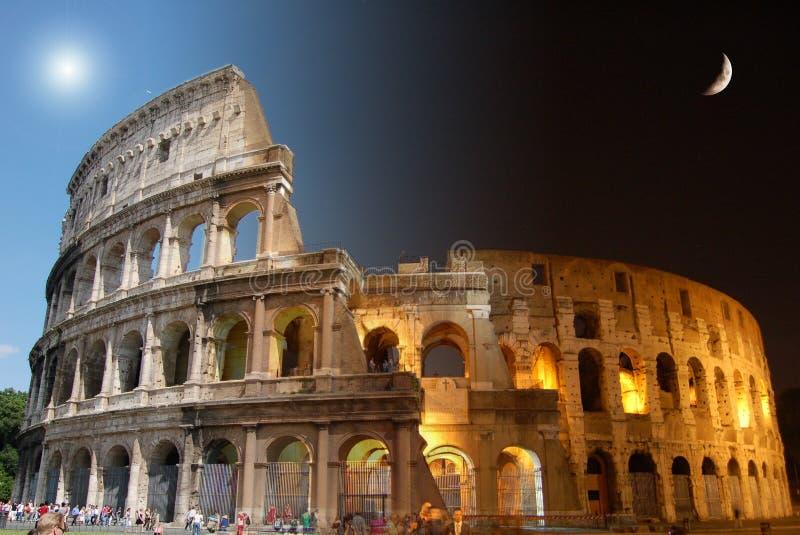 Colosseum, Tag und Nacht stockbild