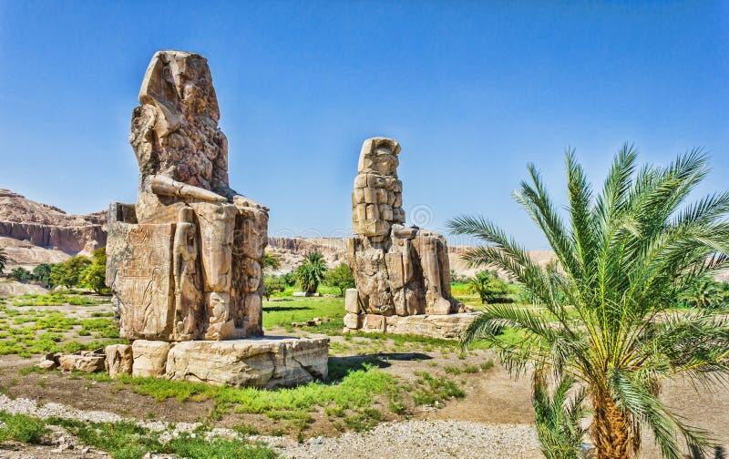 Colossi av Memnon, dal av konungar, Luxor, Egypten fotografering för bildbyråer