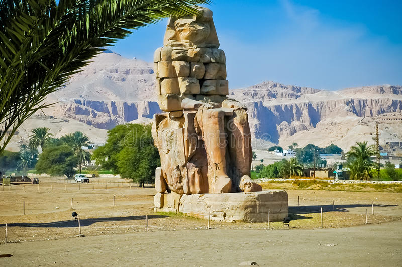 Colossi de Memnon em Thebes (Luxor) fotografia de stock royalty free