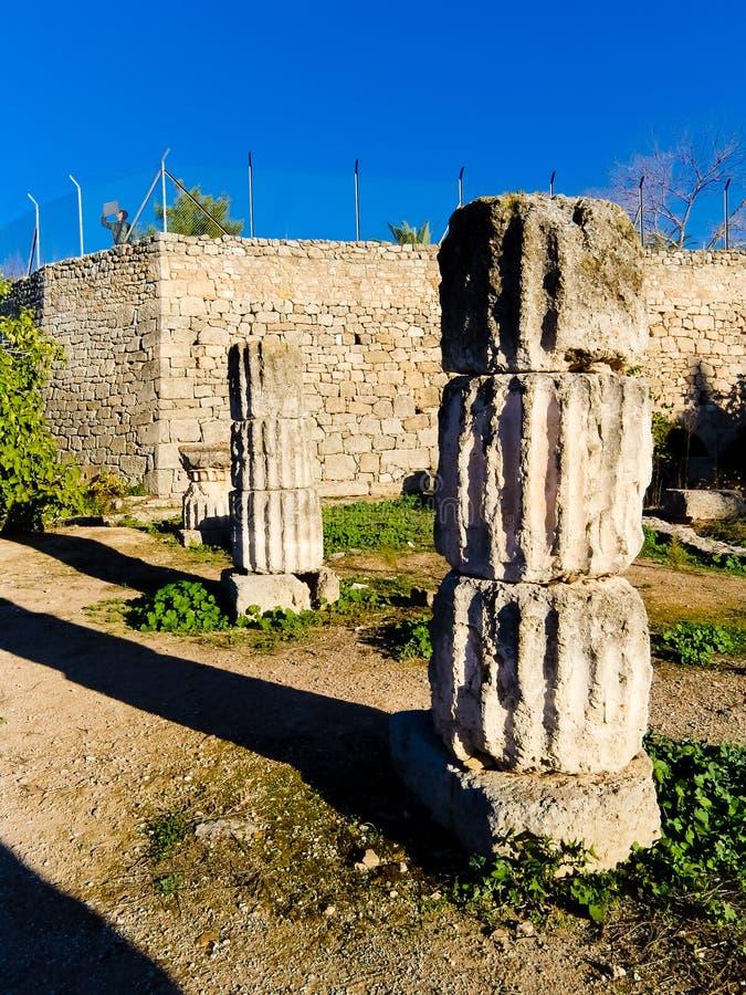 Coloumn no acropolis de Corinth Greece fotos de stock royalty free