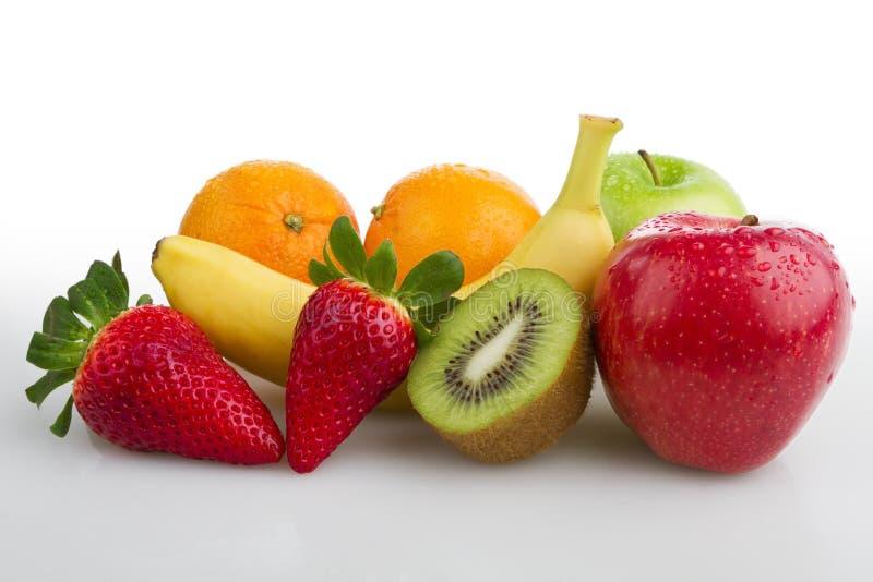 Colourful świeżych owoc bielu tło obraz royalty free