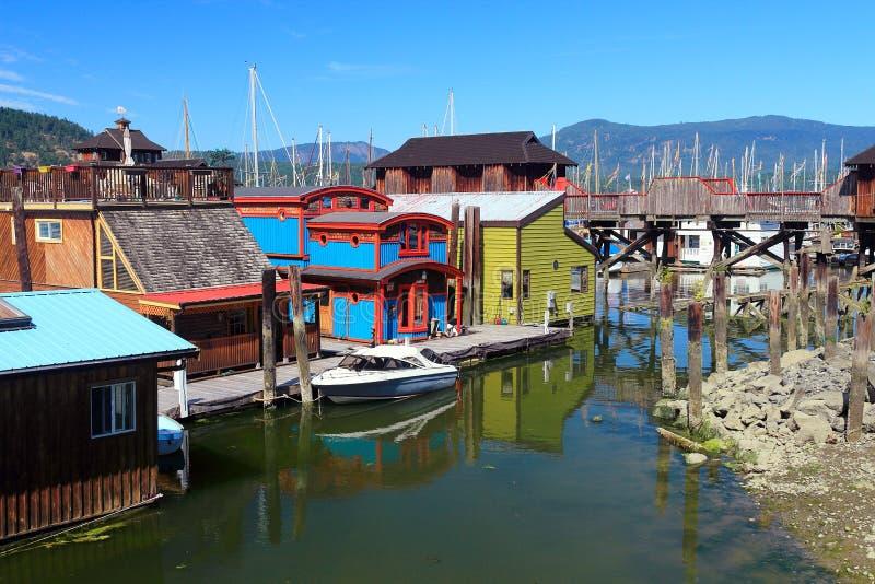 Colourful Houseboats przy Cowichan zatoką, Vancouver wyspa obraz royalty free