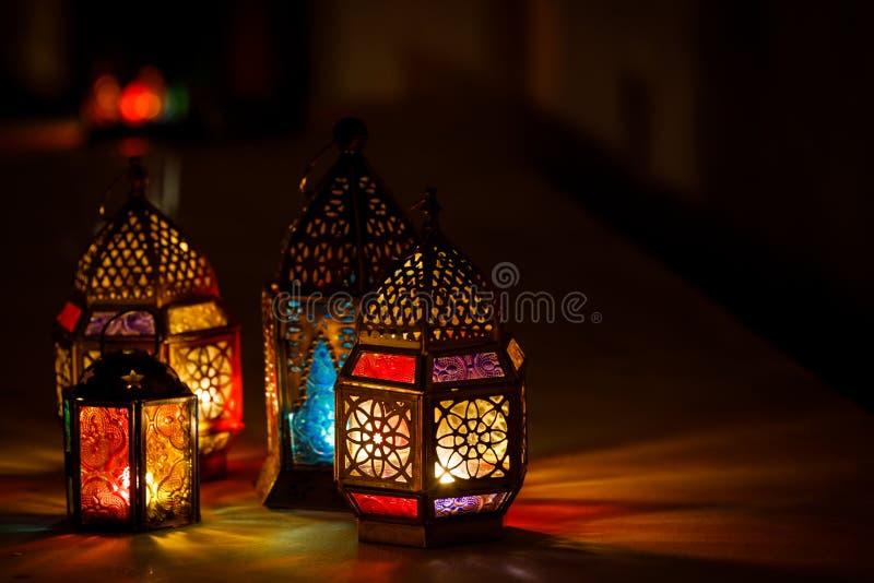 Colourful j?zyka arabskiego Ramadan lampion obrazy royalty free