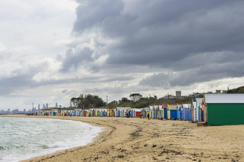 Colourful kąpanie domy przy Dendy ulicy plażą, Brighton w Melbourne obrazy stock