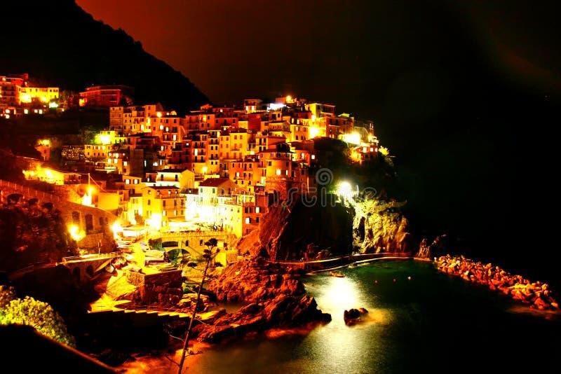 Colourful miasteczko przy nocą obraz royalty free