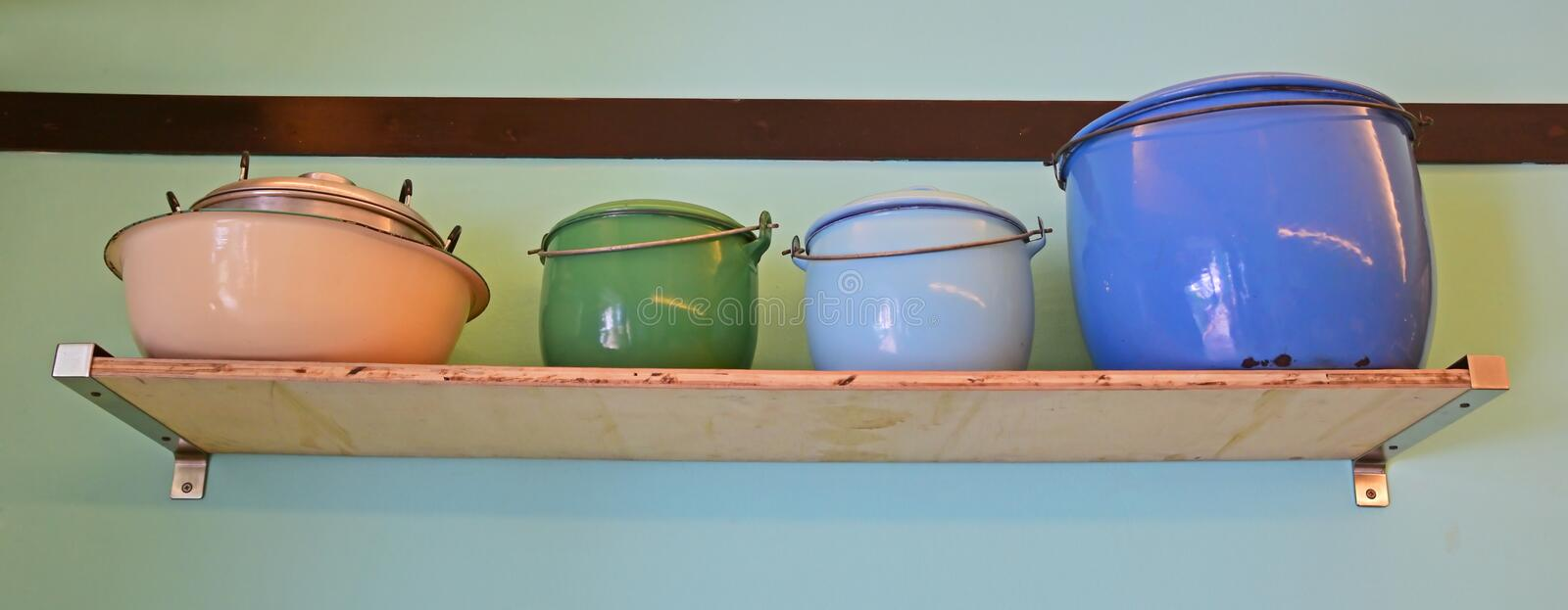 Colourful nieociosany cookware obrazy stock