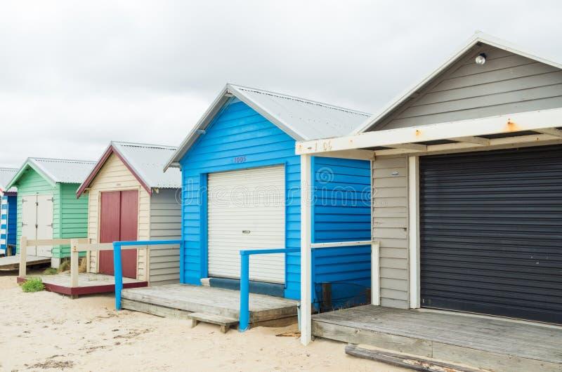 Colourful plażowe budy na Edithvale Wyrzucać na brzeg w Melbourne obrazy stock
