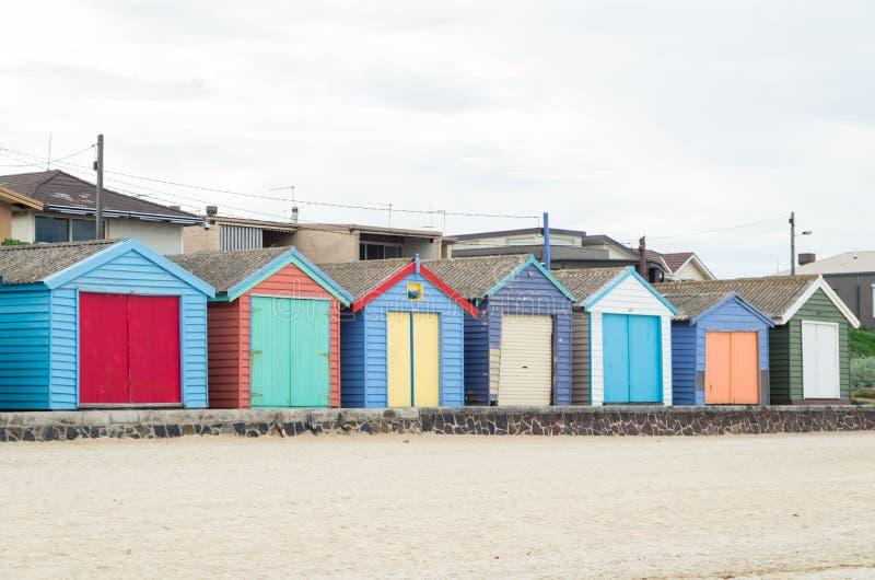 Colourful plażowe budy na Edithvale Wyrzucać na brzeg w Melbourne zdjęcia royalty free