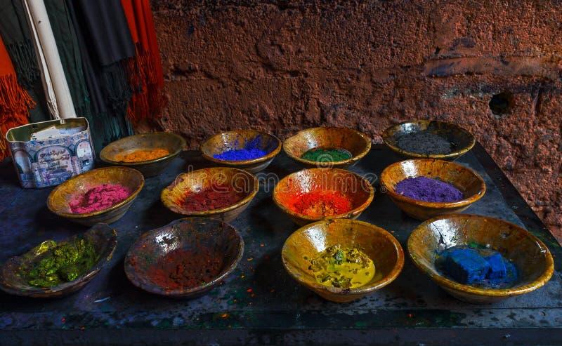 Colourful proszek w talerzach obraz stock