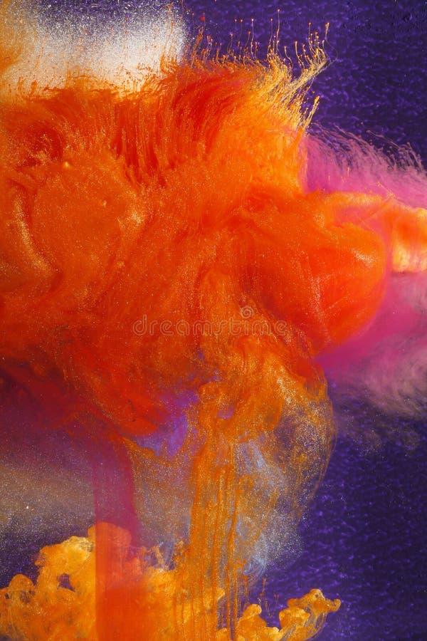 colours guld- turmoil arkivbilder