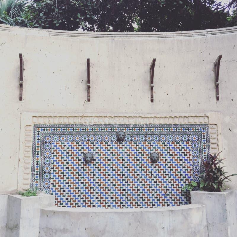 Colpetto del metallo di acqua potabile diretta immagini stock libere da diritti