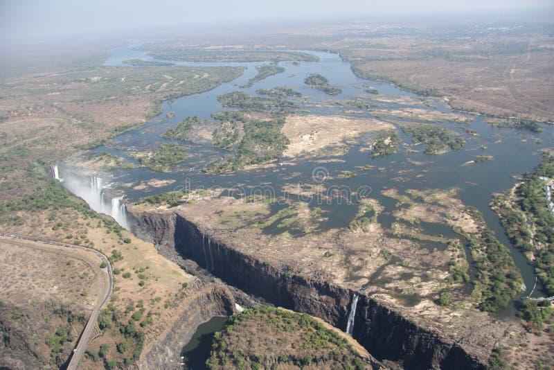 Colpi aerei della cascata di Victoria Falls dall'elicottero immagine stock