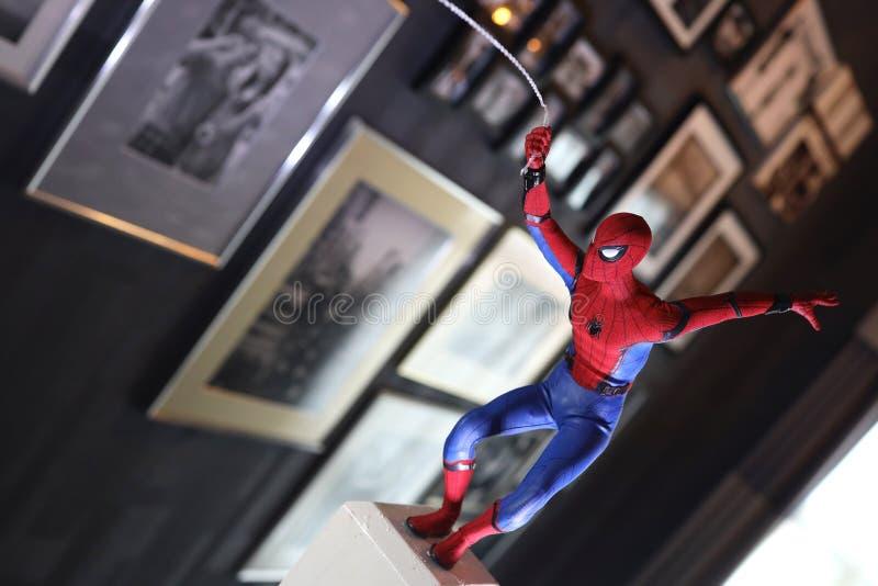 Colpo alto vicino dello Spiderman, figura di superheros immagine stock libera da diritti