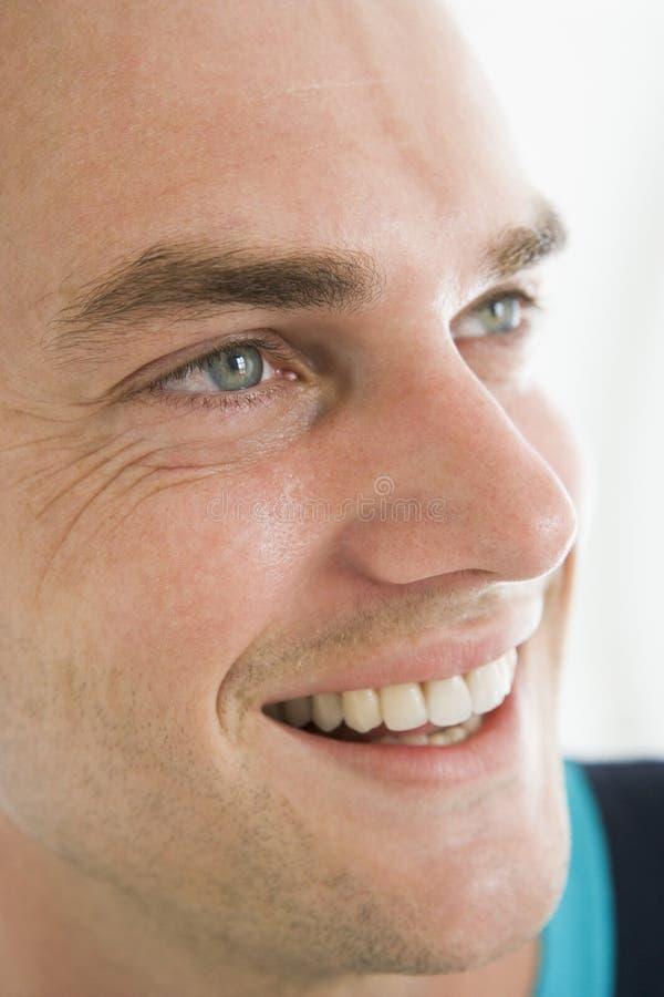 Colpo capo di sorridere dell'uomo immagine stock libera da diritti