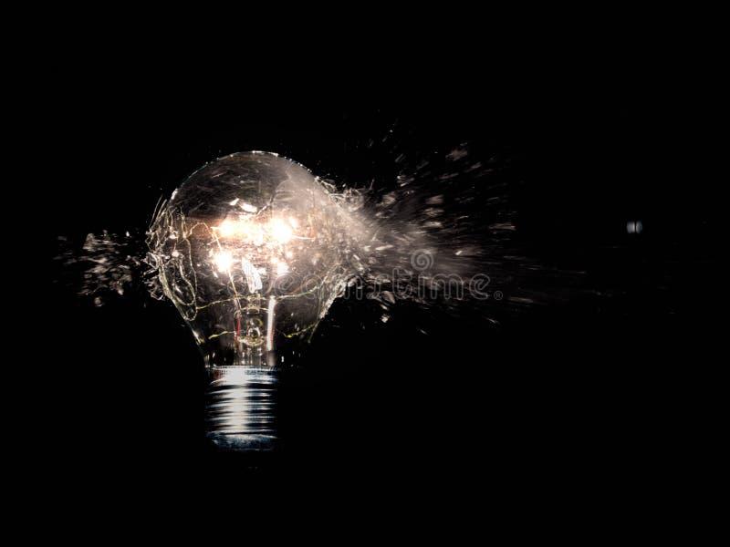 Colpo d'esplosione della lampadina fotografia stock
