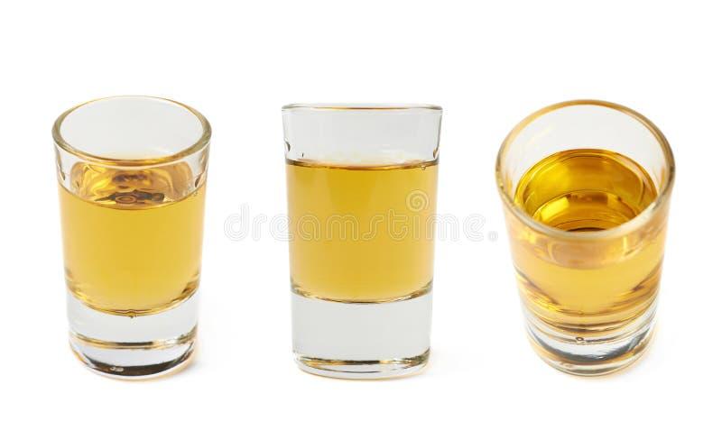 Colpo del bourbon del whiskey isolato immagini stock libere da diritti