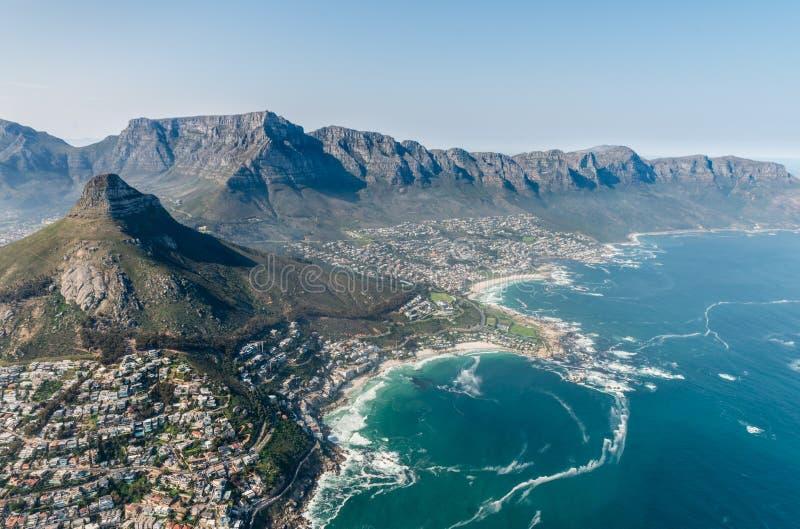Colpo dell'antenna di Clifton Cape Town fotografia stock libera da diritti
