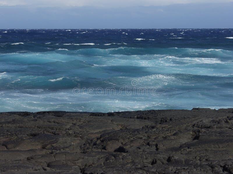 Colpo dell'oceano della lava dell'Hawai immagine stock libera da diritti