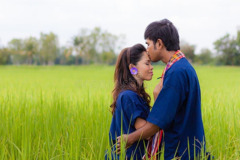 Coltivatore tailandese delle coppie fotografia stock libera da diritti