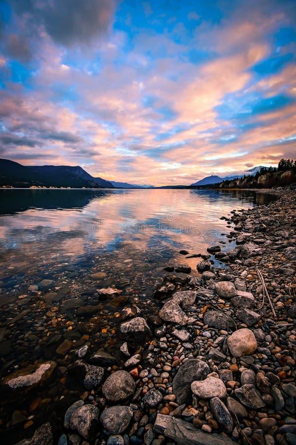 Columbia湖日落,不列颠哥伦比亚省,加拿大 库存照片