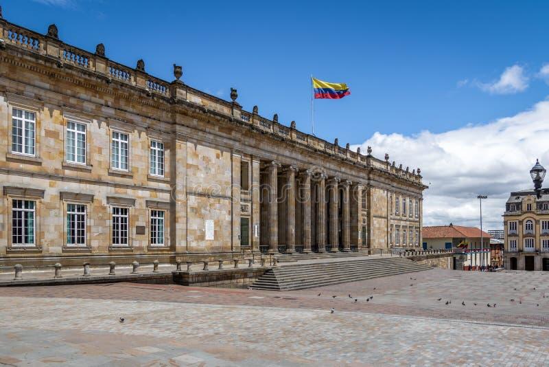 Columbiaans Nationaal die Capitool en Congres bij Bolívarvierkant wordt gesitueerd - Bogota, Colombia stock afbeelding
