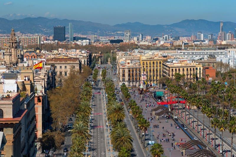 Columbus aveny i Barcelona, Catalonia, Spanien horisont royaltyfri foto