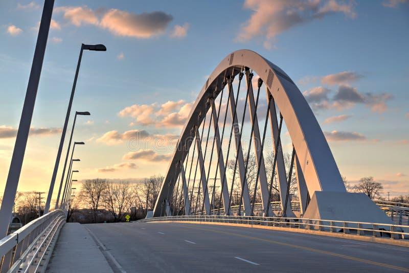 Columbus del centro, ponte di Main Street immagini stock