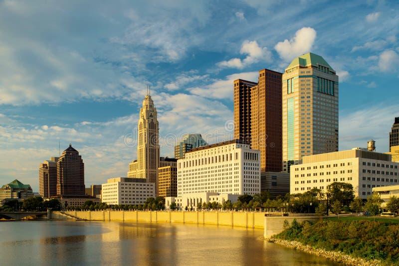 Columbus Ohio bei Sonnenuntergang lizenzfreies stockfoto