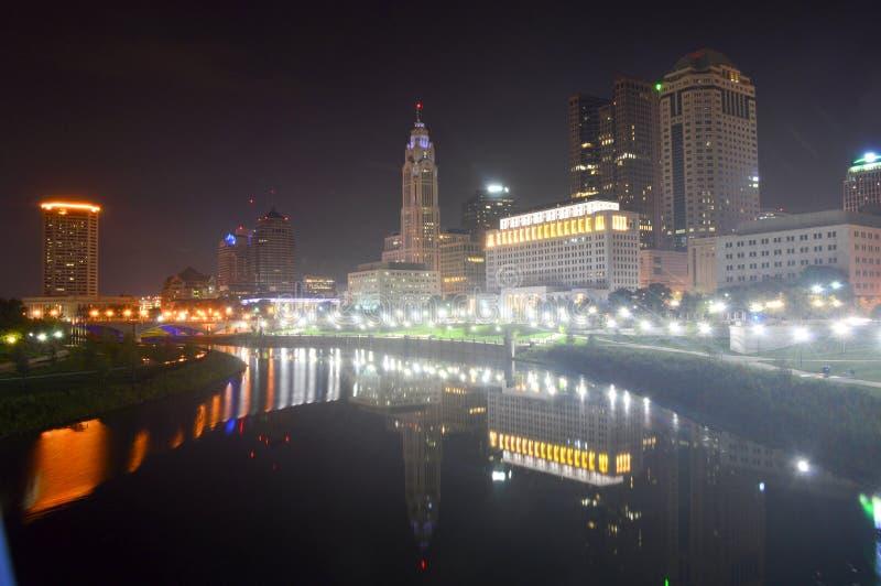 Columbus Ohio - USA - Augusti 28, 2016: En sikt av den i stadens centrum Columbus horisonten royaltyfria bilder