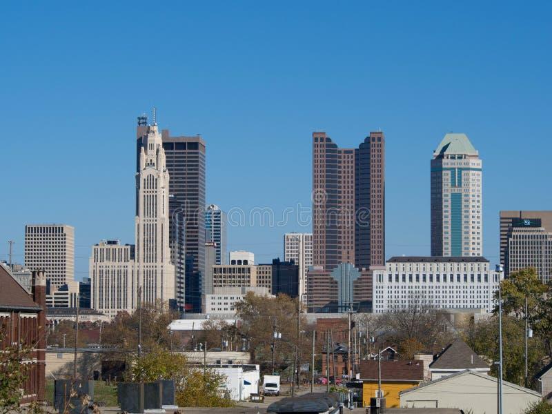 Columbus Skyline från garage royaltyfri fotografi