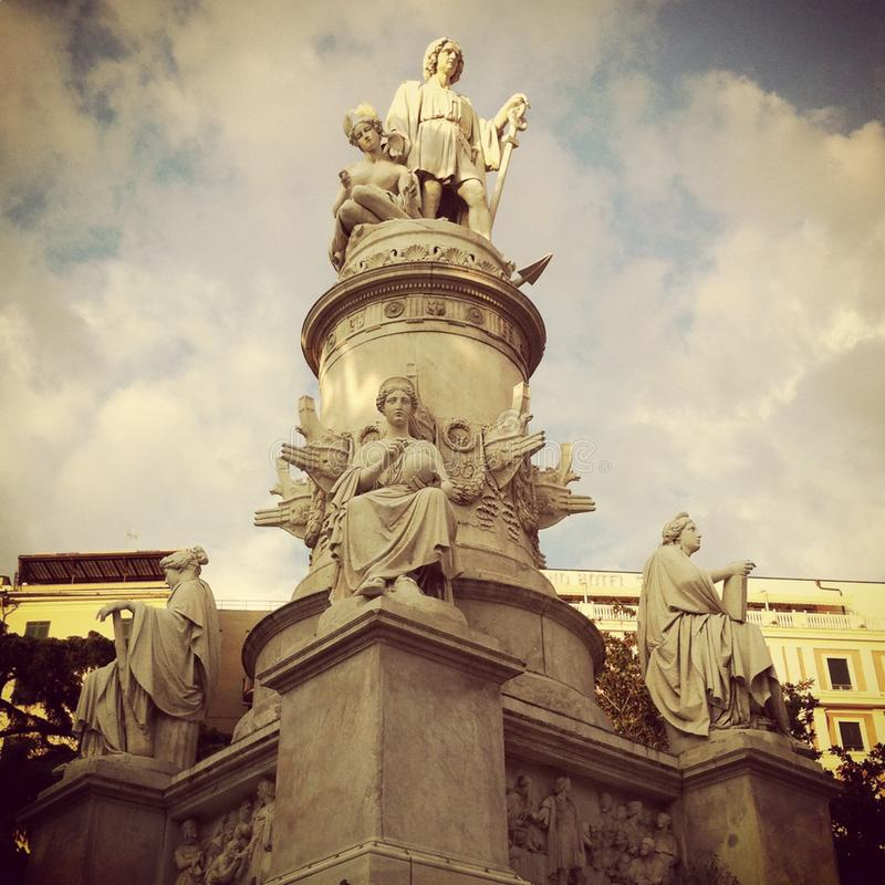 Columbus-Statue im Marktplatz Principe lizenzfreies stockfoto