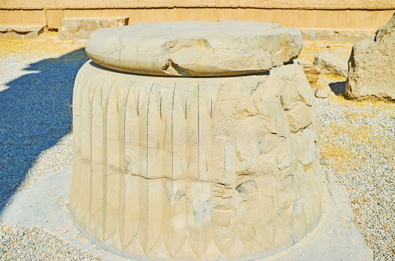 Columna arruinada en Persepolis, Irán imágenes de archivo libres de regalías
