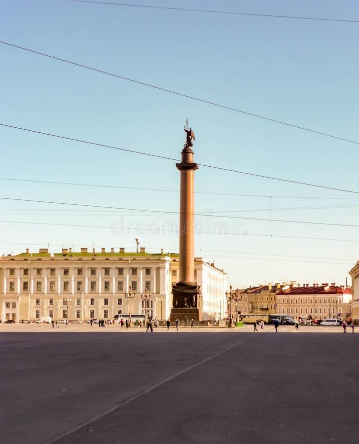 Columna de Alexander en cuadrado del palacio fotografía de archivo libre de regalías