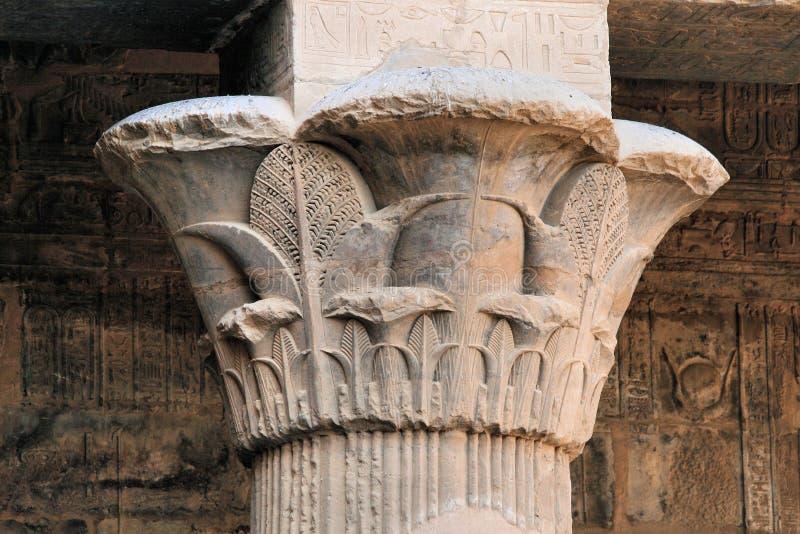 Columna de la flor de loto fotos de archivo libres de regalías