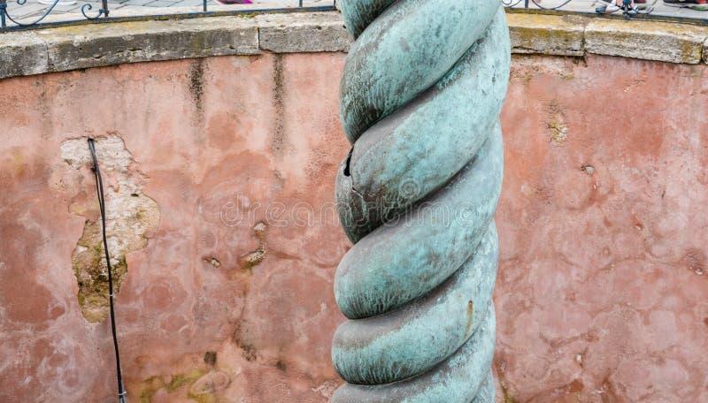 Columna de la serpiente, serpiente Tres-dirigida o Serpentine Column imagen de archivo