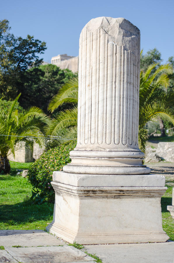 Columna de m rmol quebrada foto de archivo imagen de - Columna de marmol ...