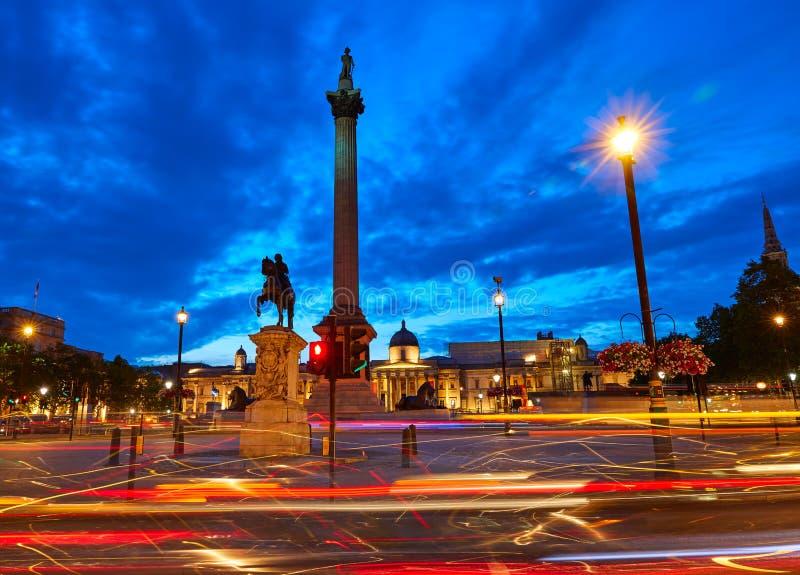 Columna de Nelson de la puesta del sol de Londres Trafalgar Square fotos de archivo