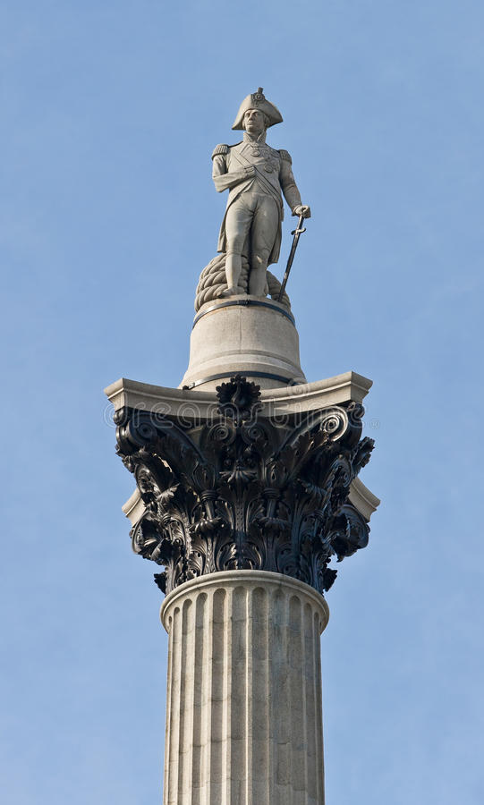 Columna de Nelson en el cuadrado de Trafalgar imagenes de archivo