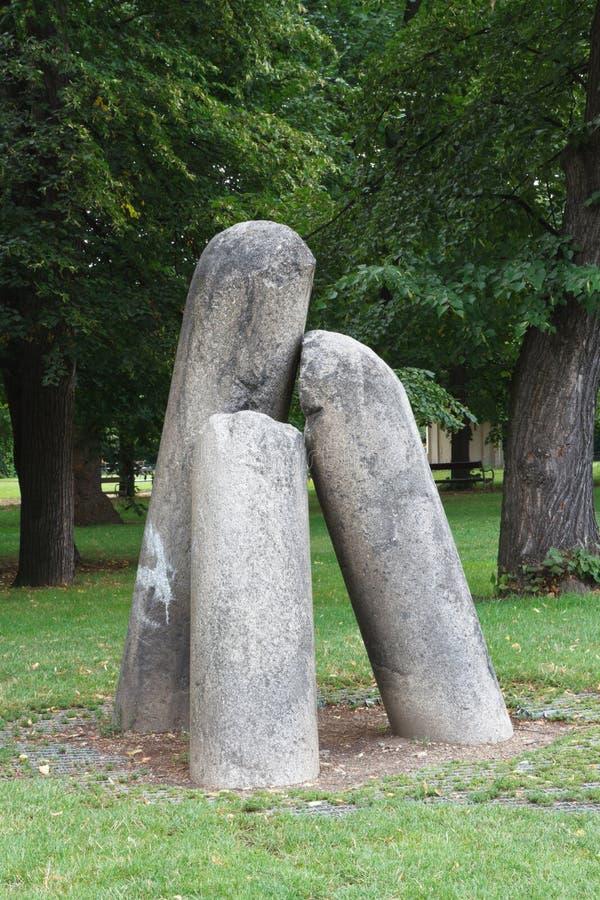Columna del ` s del diablo, columna de piedra vieja del ` s del diablo en Vysehrad en Praga imagen de archivo libre de regalías