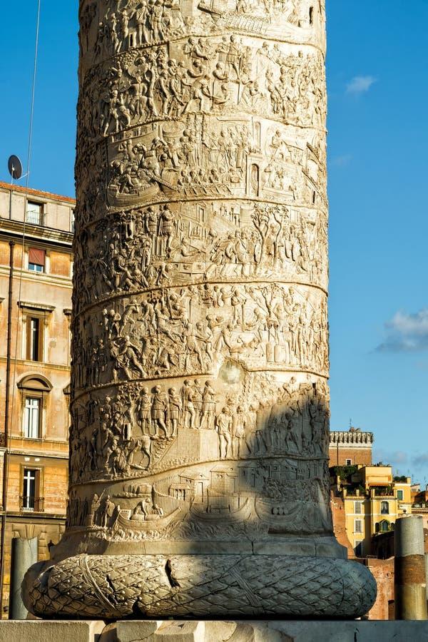 Columna famosa de Trajan en Roma fotografía de archivo libre de regalías