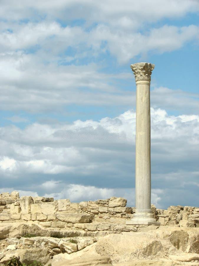 Columna griega imagenes de archivo