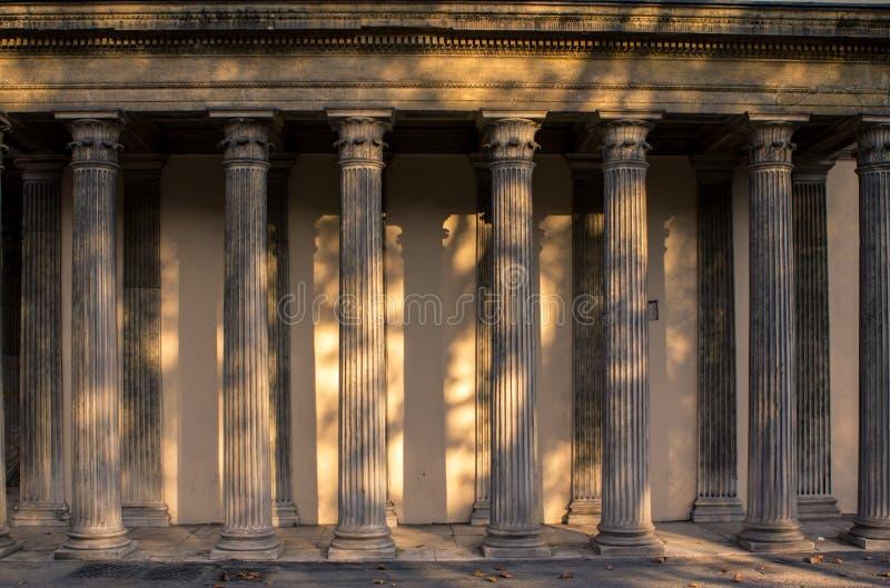 Columnas fotos de archivo