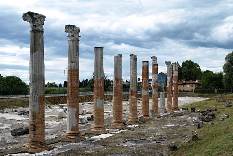 Columnas antiguas fotos de archivo