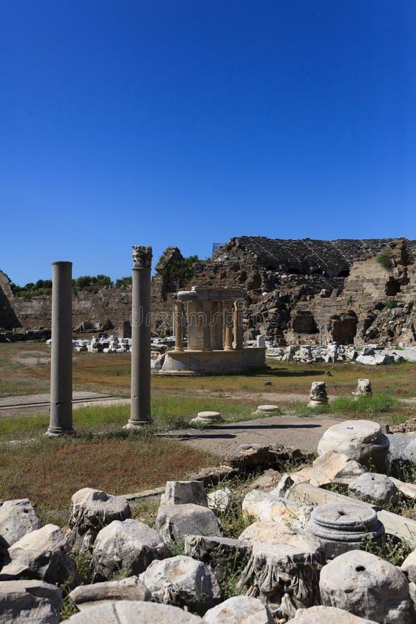 Columnas arruinadas imagenes de archivo