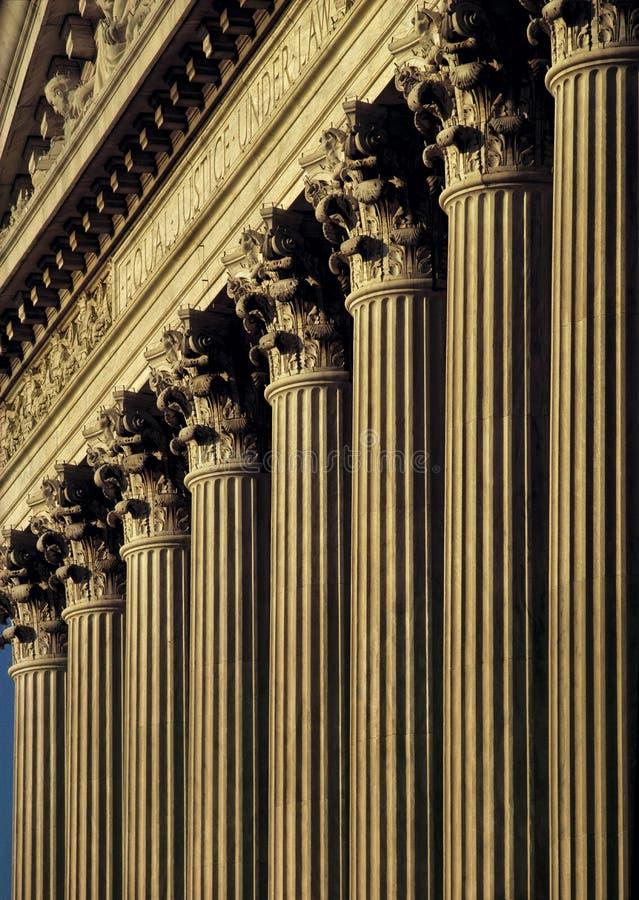 Columnas de la justicia imágenes de archivo libres de regalías